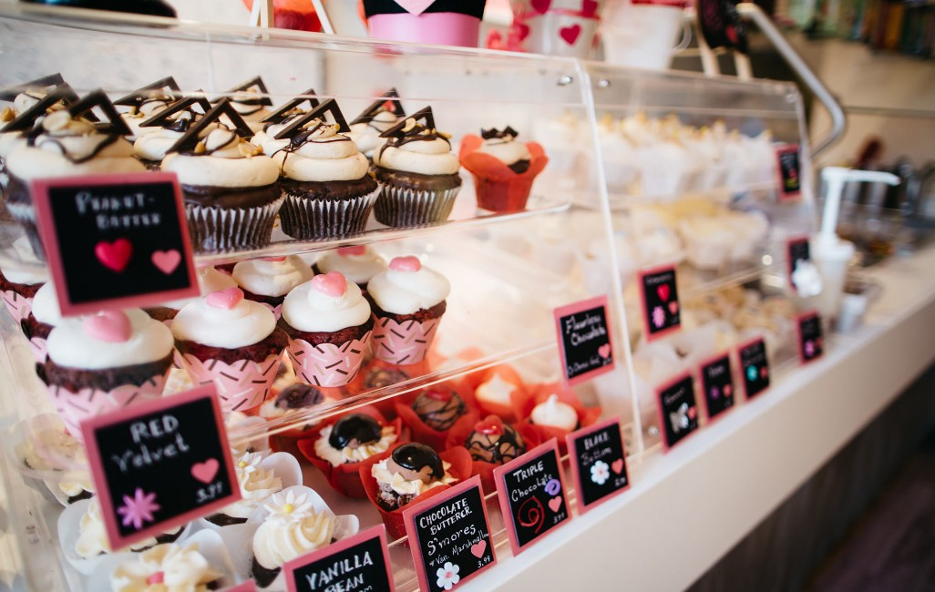 5a984256 Cup Love - Cupcakes, Frozen Yogurt, Coffee, Baked Deserts, Catering ...